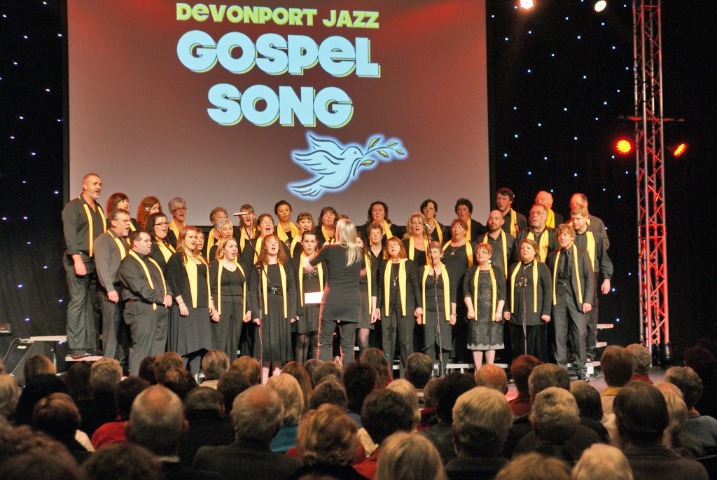 Right On Cue at Gospel Song 2012